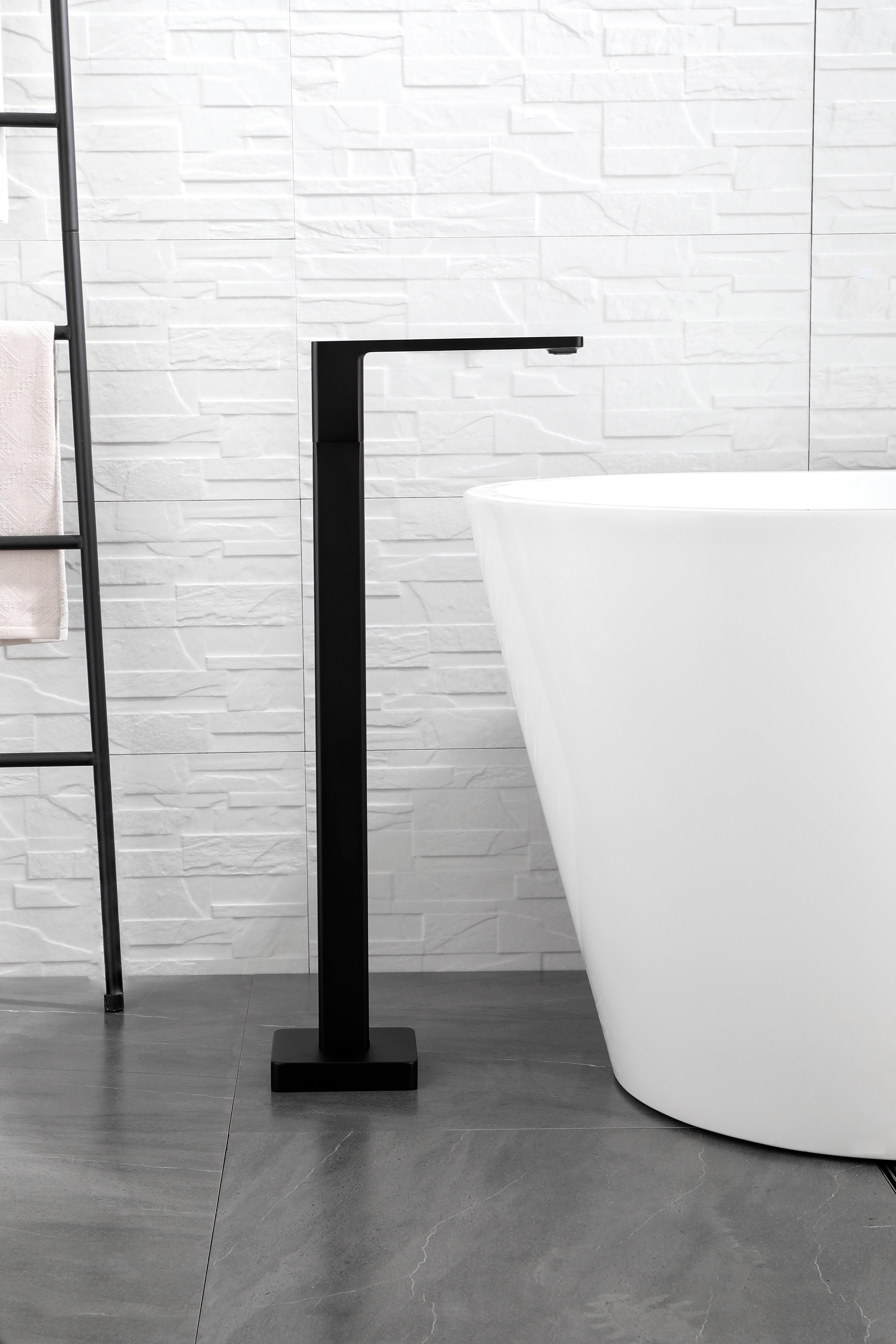EVOKE Freestanding Bath Spout